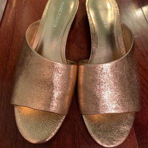 Marc Fisher rose gold crackle leather slides